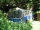 久万高原町柳井川の廃バス
