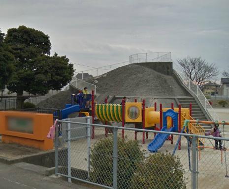 下原口公園の掩体壕