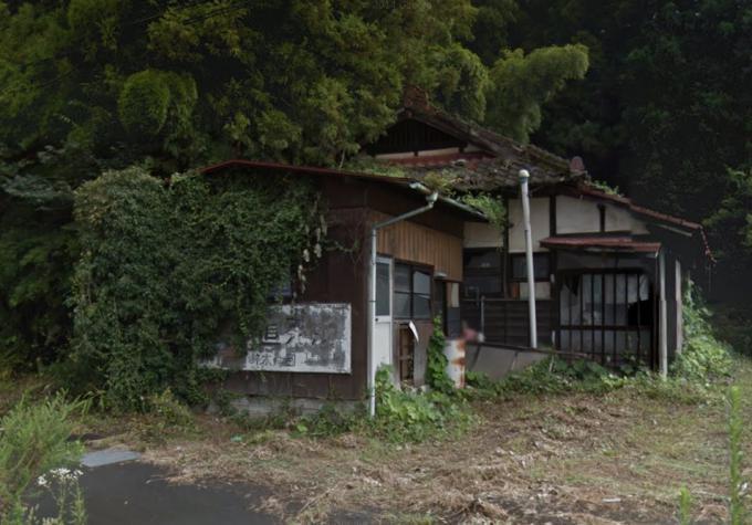 矢板市中の平屋民家