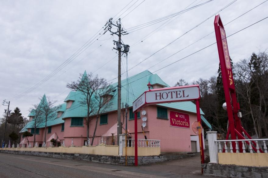 町 ホテル 信濃