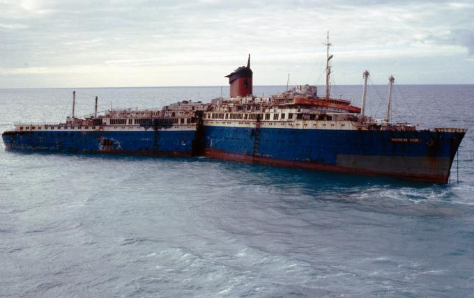 廃船SSアメリカ号(スペイン)