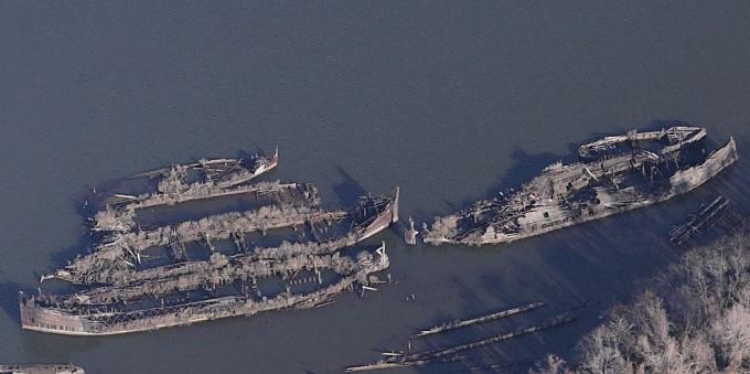 カーティス湾の廃船