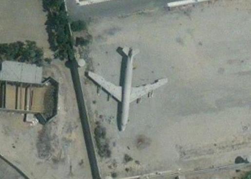 カイロの廃飛行機