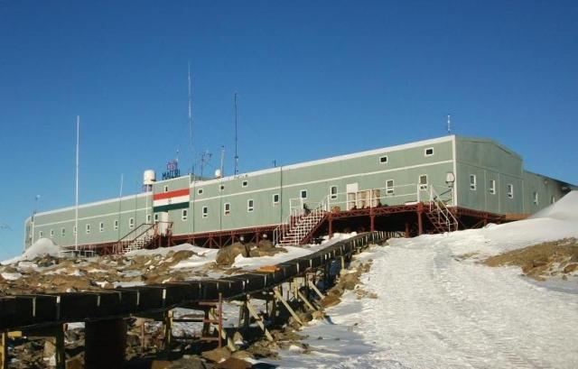 メイトリ南極基地