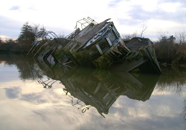 エベレット(Everett)の廃ボート