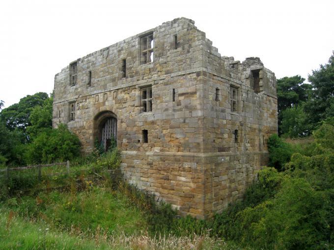 ホールトン城(Whorlton Castle)