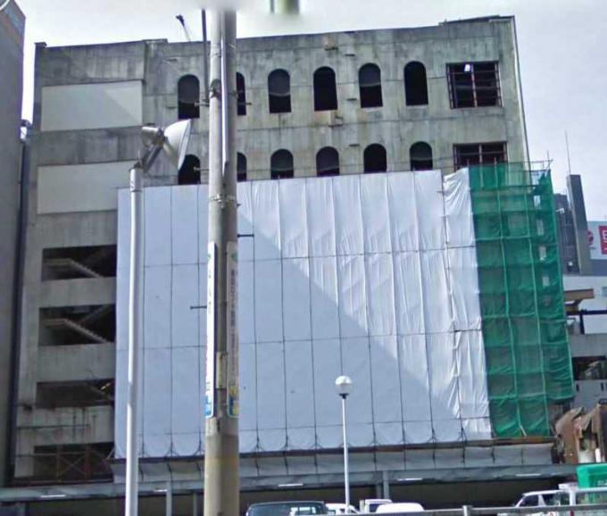 曾根崎の永久建設中ビル