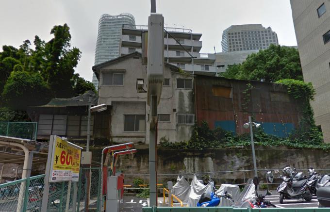 港区虎ノ門5丁目の廃屋