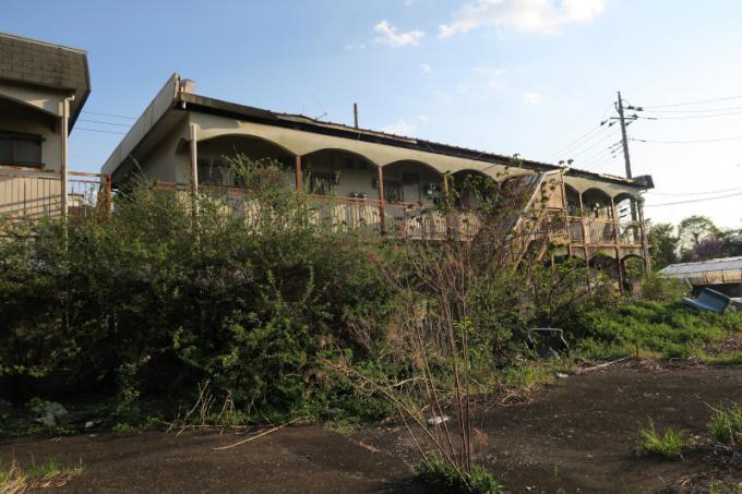 立野公園北側廃アパート