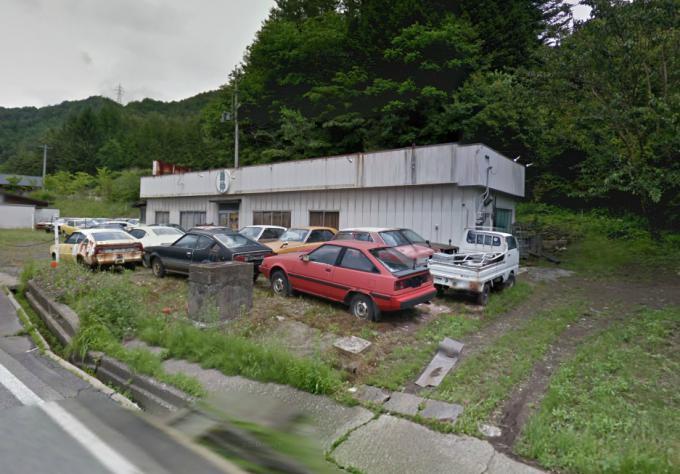 木曽町日義の廃車群