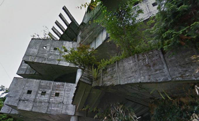 峰崎医院(怪獣病院、龍の砦、龍の籠)