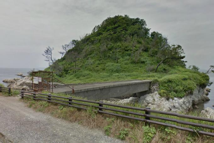 真珠島の廃橋