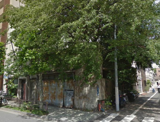 台東区今戸1丁目の廃屋